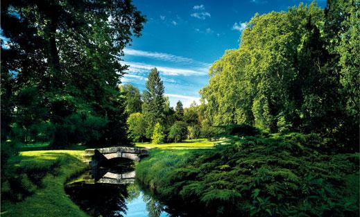 L 39 archer fran ais noble jeu de l arc dans les jardins du for Jardin anglais chateau fontainebleau
